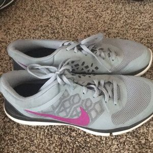 Nike sneakers size 10, gently used